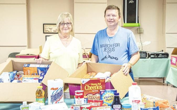 Sr. Cub Center Makes deliveries to Seniors