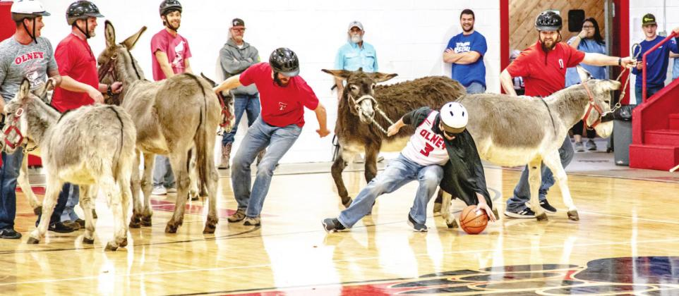 Donkey Basketball Game brings in bucks for juniors