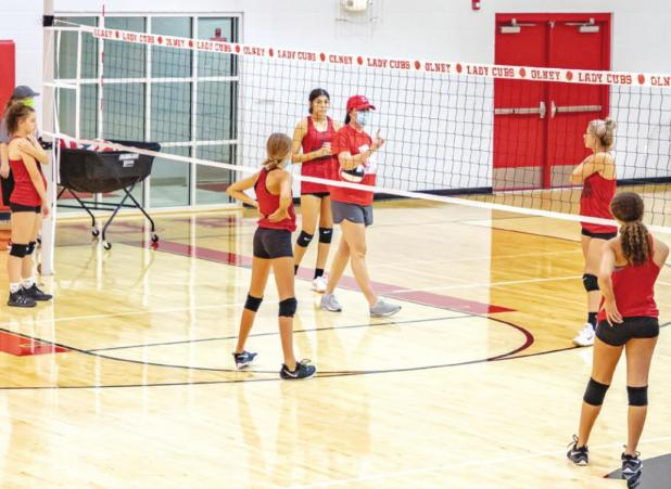 Lady Cubs Gear Up for the Season