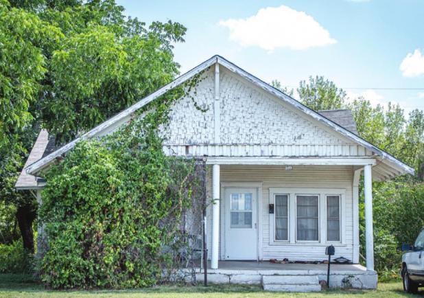 The Roach-Lee House