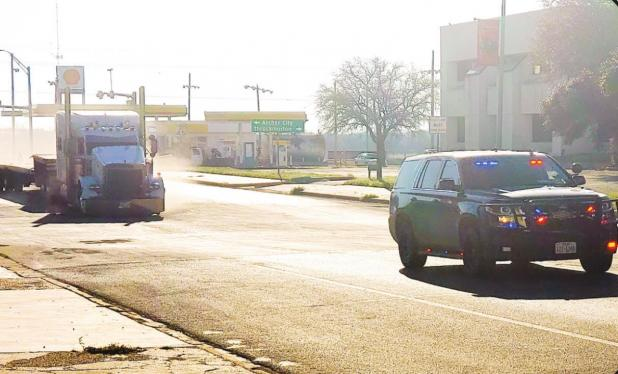 Olney PD responds and assists in high-speed 18-wheeler chase