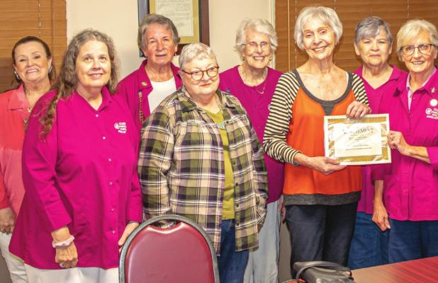 Hamilton Hospital Auxiliary Presents Honorary Membership Award